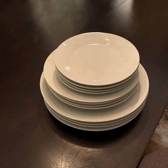 Set of 12 white porcelain plates